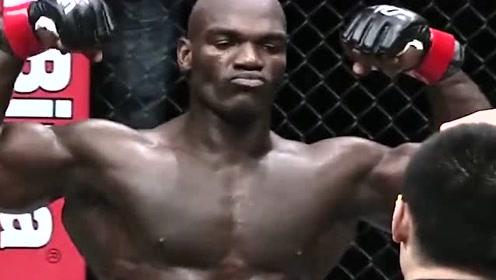 中国拳手铁拳强硬,让泰森也显得弱小,擂台血虐一众对手