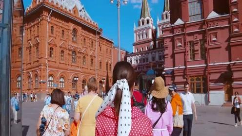 这三个国家对华好感度最高,俄罗斯占一个