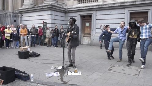 街头艺人唱经典雷鬼,一开口让世界同欢!音乐给人类最纯粹的快乐