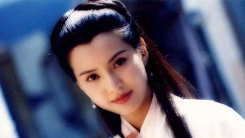 李若彤被亲小腿,说恶心却遭掐脖子拽头发,表情痛苦惹人心疼