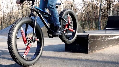 牛人把自行车轮胎装上3个减震器,减震效果杠杠滴骑着就是舒服