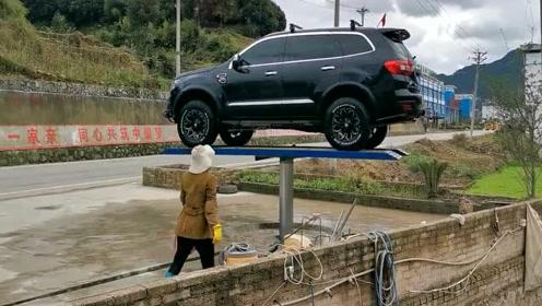 第一次遇到这么良心的洗车行,360°无死角洗车啊!
