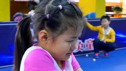 5岁乒乓天才神似福原爱,含泪训练惹人心疼,如今竟已是全国冠军