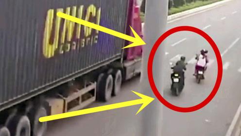 电车夫妇被货车无情碾压,连挣扎的机会都没有,真瘆人!