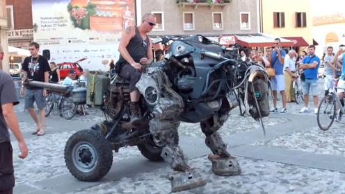 """外国艺术家发明""""机械恐龙坐骑"""",牛头马面鸟嘴,造价约5000美元"""