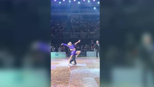 为什么感觉跳拉丁舞有一种谈恋爱的感觉?!