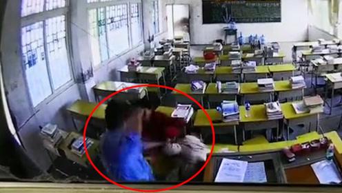 陌生男子冲进教室殴打女教师十多拳后逃离 警方:正在努力侦破