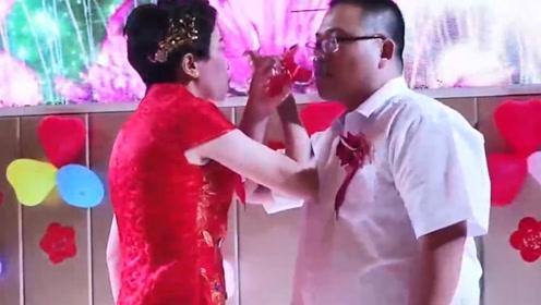 28岁打工仔,娶了50岁的离异女人,婚礼全部新娘包办!