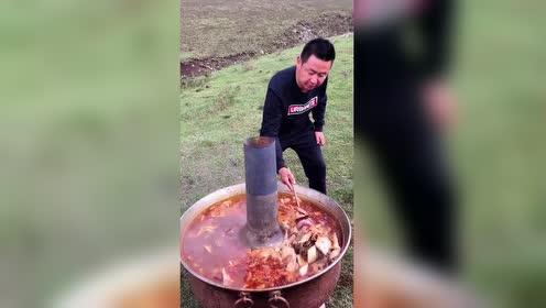 这个火锅不简单啊!单单边炉就不是凡品了!