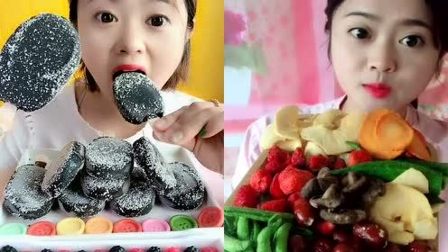 这才是吃播该有的样子,美女直播吃椰子灰果冻、冻干果蔬脆!