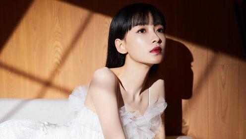 孙怡换发型后又美了,白色纱衣配齐刘海小脸还精致,从辣妈变少女