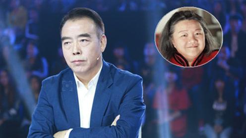 她是陈凯歌前妻晒搞笑照,58岁已满头白发,网友:小老太太了