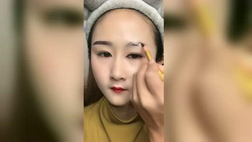 神仙妆容原来就这么简单?看到美女眉毛的那一刻,就知道没那么简单