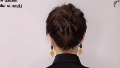 40岁的女人这样扎丸子头,超级优雅有气质