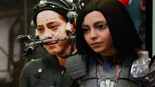 卡梅隆不愧是鬼才导演,为了让人更像机器人,硬是磨了4年多!