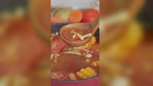 海底捞同款番茄火锅底,酸甜鲜香,营养不上火,冬日来一碗美滋滋