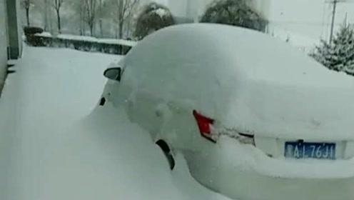 2019年底一场大雪,把我的汽车都给覆盖了,这让我怎么去上班呢?