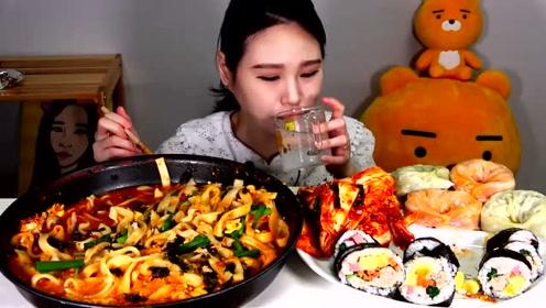 动手吃美食:吃美味香辣海鲜面 寿司