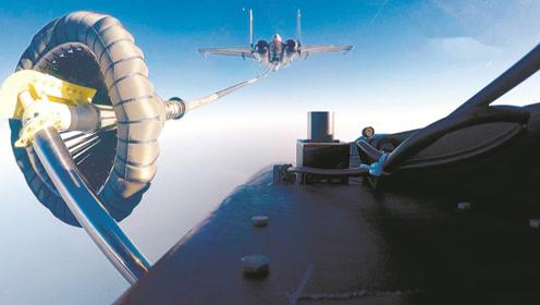 飞鲨之吻!直击歼-15舰载机伙伴加油训练,第一视角照片帅爆了
