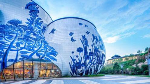 王健林打造中国第一个青花瓷大楼,用4万多块青花瓷砖,就在这里