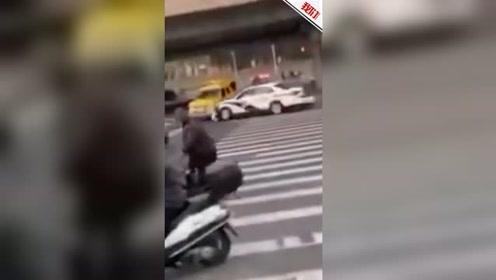北京一男子盗开工程救险车致2死7伤 交警驾车将其截停