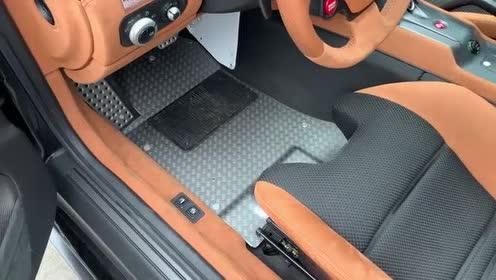 法拉利 599 GTO ,外国小哥带你看内饰