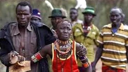 非洲野蛮婚礼,新娘哭着向父母求救!游客看了也不敢声张