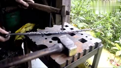 恕我直言,这师傅的锤炼技术可不是闹着玩的,起码有十年的经验!