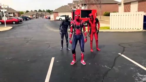 自制:蜘蛛侠与死侍闲暇无事,跑街头来跳舞!