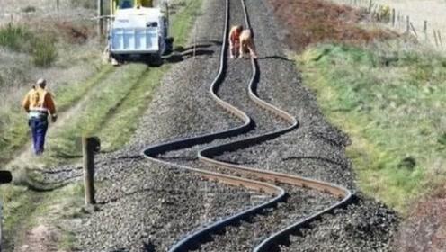 """扭曲的""""泡面轨道"""",火车开上去像喝醉酒,这能坐人吗?"""