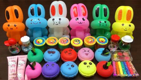 DIY史莱姆教程,6个小兔子气球混合苹果泥、马卡龙、化妆品