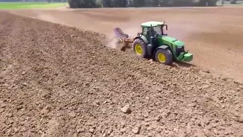 德国机械化不得不佩服,一个人日常耕地800亩