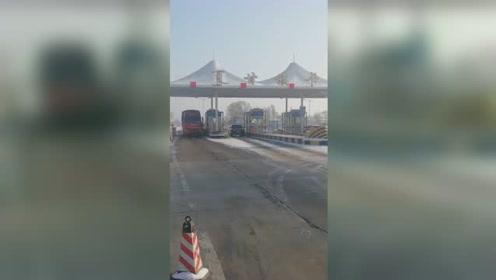 53人受伤!内蒙古通辽一大客车发生侧翻事故 伤者已送医救治