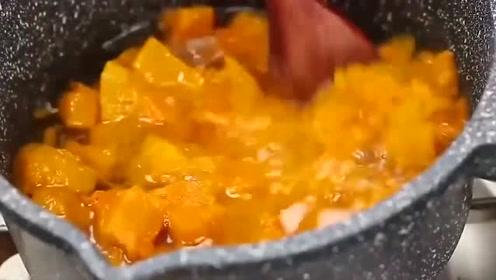 南瓜粥的做法,香甜的南瓜粥,做法简单一学就会