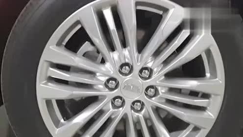 2019款凯迪拉克XT5实车展示,外观与内饰高清鉴赏。