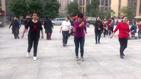 广场超火的懒人健身操,每天坚持跳10分钟,暴汗燃脂减肥