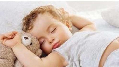 """老人说""""孩子贪睡长得快"""",你是否也纠结过几点叫孩子起床?"""