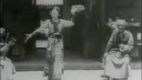 清朝末年的女艺人表演→原来清朝最流行的舞蹈长这样!