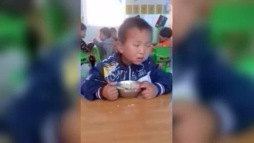 幼儿园的孩子永远是最搞笑的!已笑喷