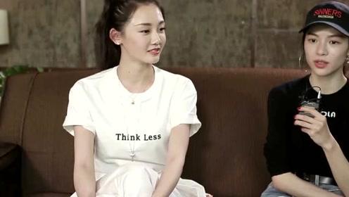 冯小刚陈道明私人趴,《芳华》女主演苗苗被要求跳舞,引网友热议