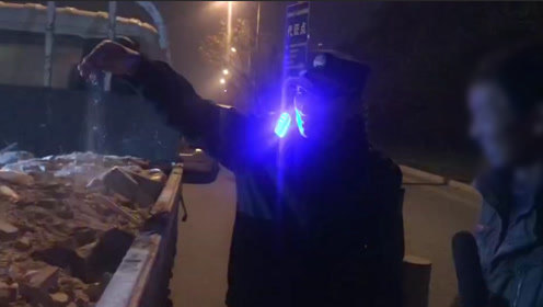 北京今冬首个空气污染黄色预警 城管夜查违规渣土车
