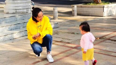 朱丹晒小小丹近照 透露周一围跟女儿互动方式好有爱