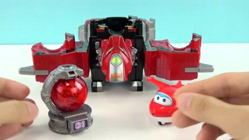 《橙子乐园在日本》超级飞侠乐迪的狮子座战队变形机器人,好酷啊