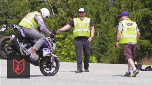 汽车驾照和摩托车驾照,哪个更难考?走进考场让你怀疑人生!