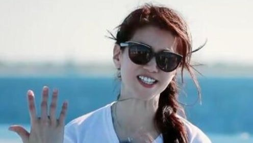 包文婧帮章子怡拍照想收钱,只想赚很多钱,袁咏仪却点醒了她