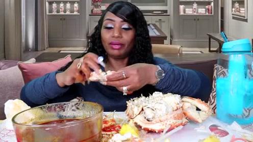 吃蟹阿姨一次直播吃的海鲜可能我一辈子都吃不上!
