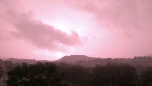 我可能快不行了……打雷了!下雨了!没电了!咕咕咕!