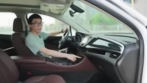 分秒试驾:高性价比合资品牌中型SUV别克昂科威20T两驱豪华版
