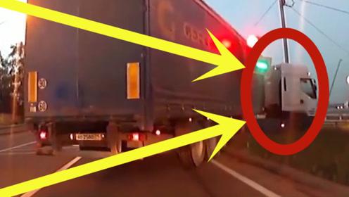 货车司机是喝多了吗,这种路口还能发生事故,真是丢人!
