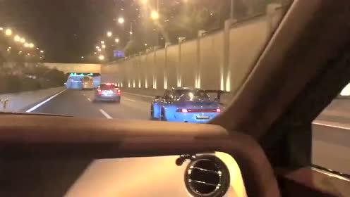这辆保时捷911怎么了